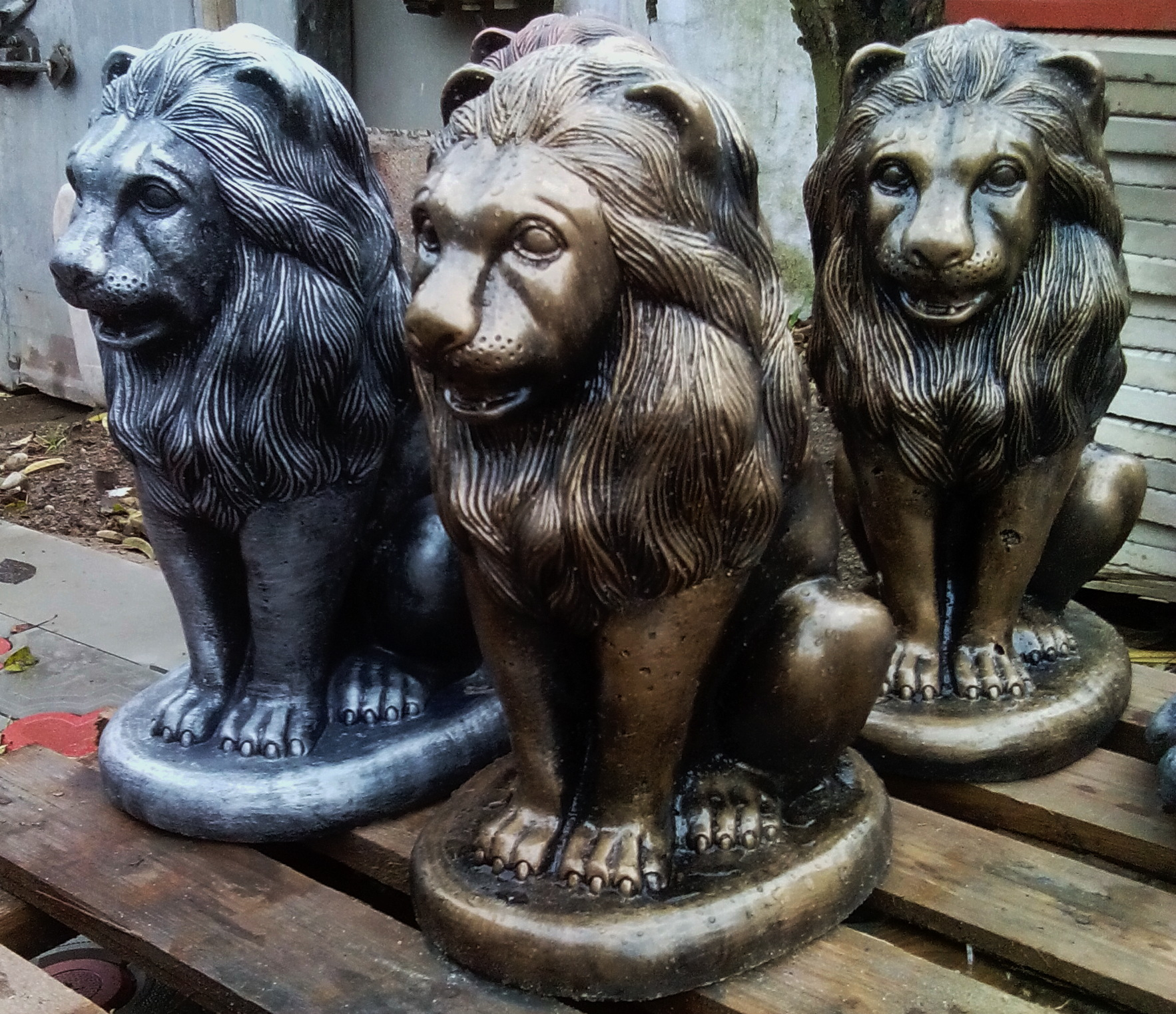 Скульптуры из бетона и изготовление скульптур Лев сидя