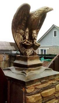Фигурка Орла для сада
