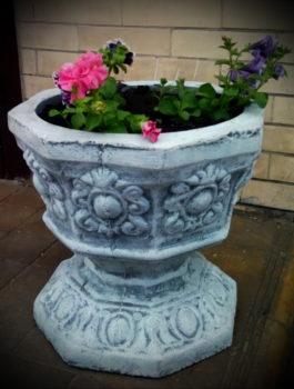 Цветочный вазон 8-угольный бетонный