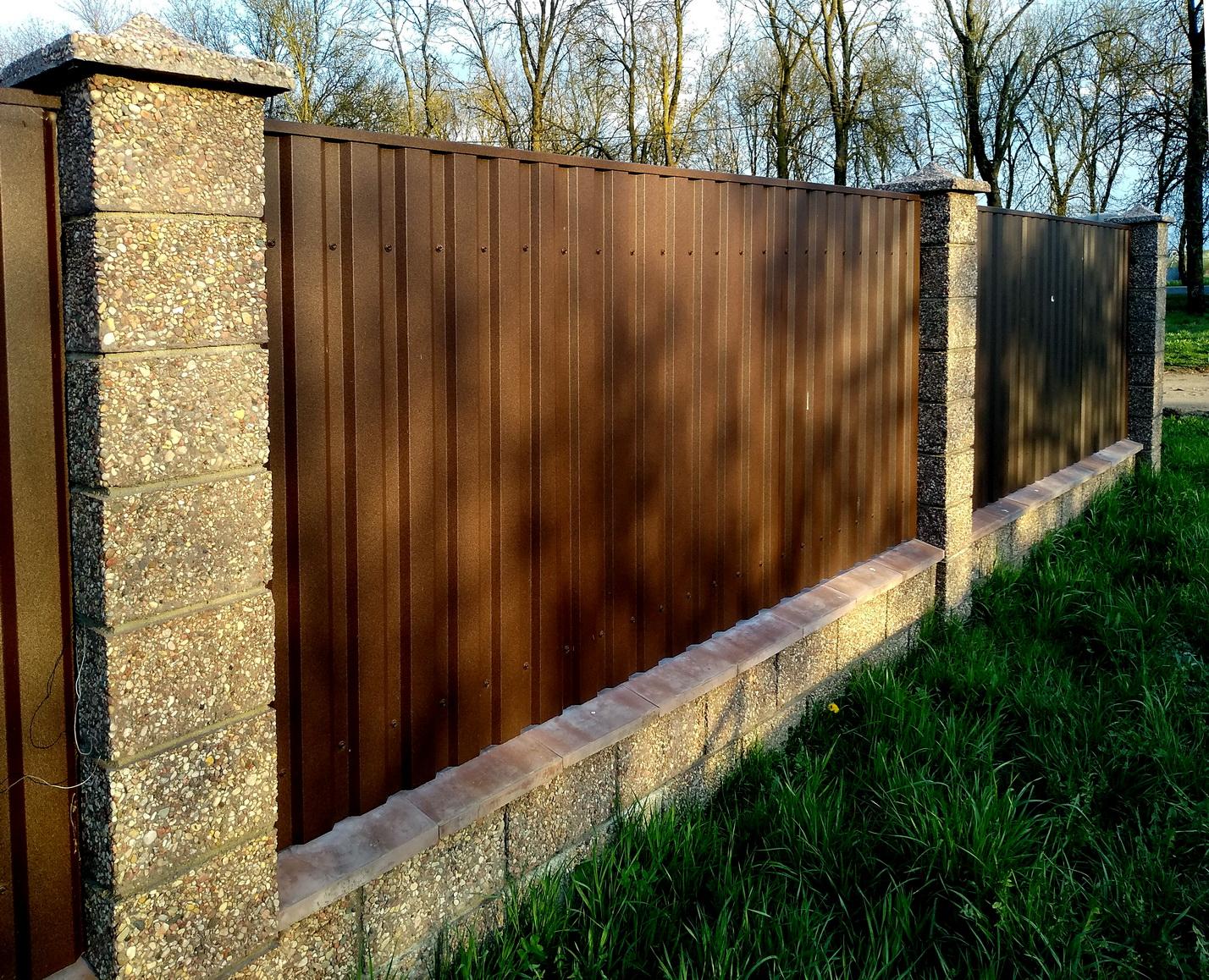 мытый бетон с фаской забор